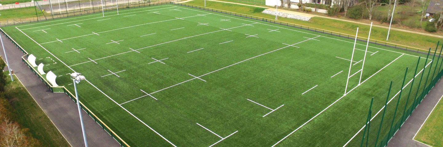 Terrain de rugby en gazon synthetique - sols sportifs Sportingsols